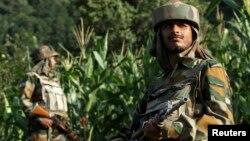 Индиски граничари во Кашмир.