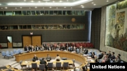 قطعنامه جدید شورای امنیت اجازه میدهد کشورها برای تعقیب و هدفگیری دزدان دریایی وارد حریم هوایی سومالی شوند.