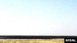 Степь после пожара. Уилский район Актюбинской области.