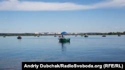 У КП «Плесо» раніше заявили, що не рекомендують купатися на всіх 11 пляжах Києва
