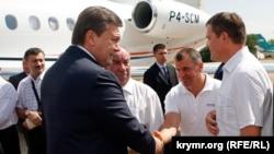 Виктор Янукович и Владимир Константинов в Керчи в 2009 году