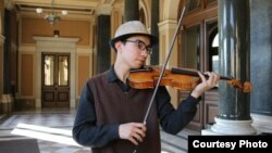 Бауржан Батурбеков, студент музыкальной консерватории в Праге.