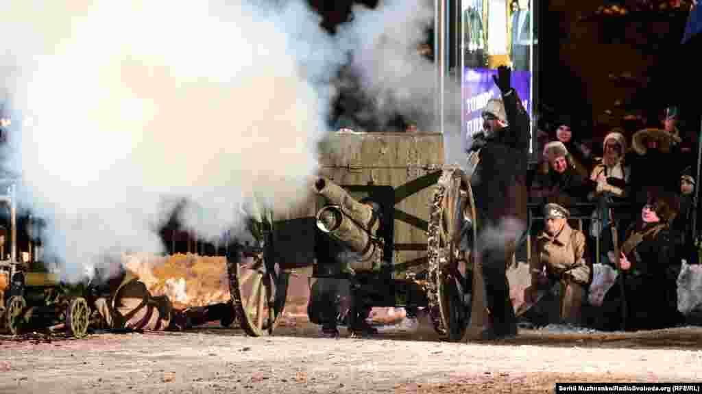 У воїнів УНР: працює гармата