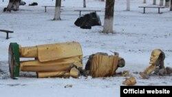 Повалений пам'ятник Леніну у Красноокнянську Одеської області, 1 січня, 2015 (ілюстраційне фото)