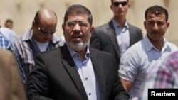 Талапкер Мохамед Мурси жума намазга келди. Каир, 22.06.2012