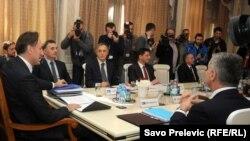 Deseti sastanak vlasti i opozcije