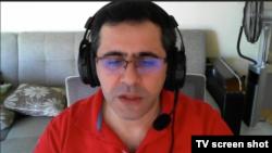 Абдуллах Бююк по време на интервю за Свободна Европа, направено по Skype. Бююк е само един от турските граждани, предаде от България на Турция. Той е под домашен арест.