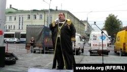 Сьпявае Аляксей Сідарцоў