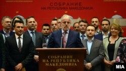 Зоран Заев и Талат Џафери на прес-конференција по повод една година од насилствата на 27 април