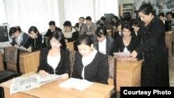 Учителя одной из узбекских школ.