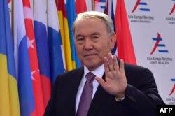 Президент Казахстана Нурсултан Назарбаев прибыл на саммит «Азия-Европа» в Италии. Милан, 16 октября 2014 года.