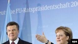 Ангела Меркель і Віктор Янукович під час прес-конференції у Берліні, 28 лютого 2007 року