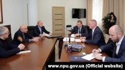 Руководители Национальной полиции Украины и прокуратуры АР Крым на совещании о перезагрузке работы, 20 ноября 2017 года