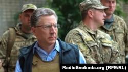 Специальный представитель Госдепартамента США Курт Волкер в Авдеевке, 23 июля 2017 года