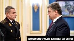 USQ ADQ komandanı İhor Voronçenko ve Ukraina prezidenti Petro Poroşenko