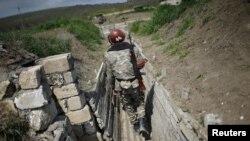 Հայ զինվորը մարտական հենակետում, արխիվ