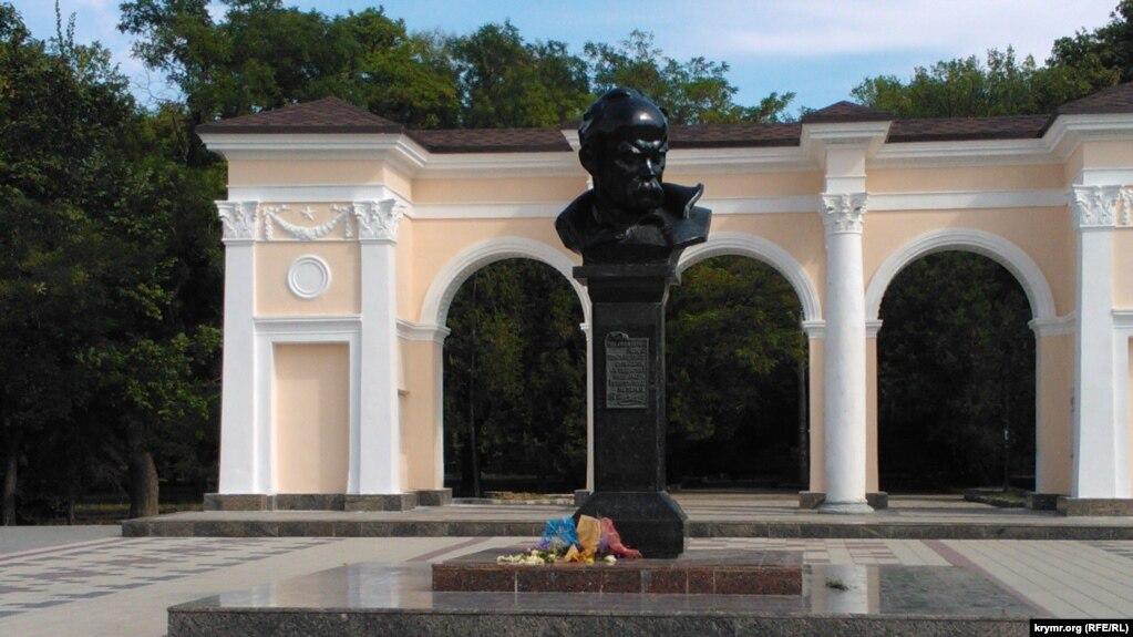Таблички на памятник симферополь изготовление портретов на памятники минск