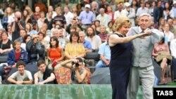 Зрители фестиваля джаза в саду Эрмитаж
