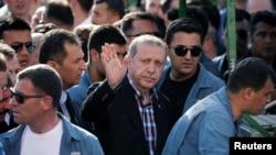 Эрдоган Стамбулдагы тажия учурунда. 17-июль, 2016-жыл.