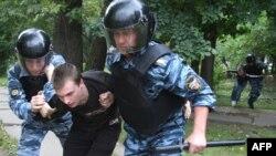 В России с участниками гей-сообщества обращаются весьма жестко