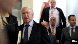 Посредникот на ОН во спорот за името Метју Нимиц