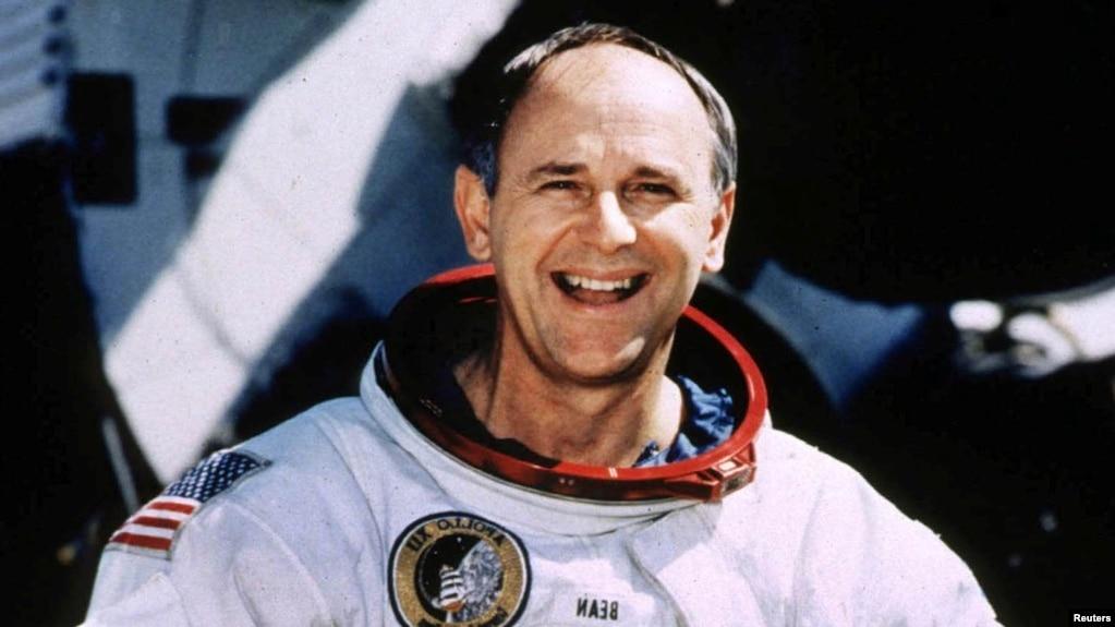 В США умер американский астронавт Алан Бин