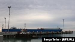 Каспийдің шығыс жағалауында орналасқан Құрық порты. 11 тамыз 2018 жыл