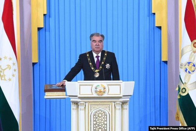 Президент Таджикистана Эмомали Рахмон во время инаугурации. Душанбе, 30 января 2020 года.