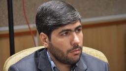 میثم لطیفی نمادی از دانشآموختگان دانشگاه امام صادق تهران است