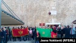 Protest ispred zidina Starog grada u Budvi, 11. novembar 2020.
