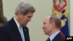 Керри Путин менен кездешкен учур. 15-декабрь, 2015-жыл.