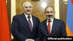 Александр Лукашенко менен Никол Пашинян.