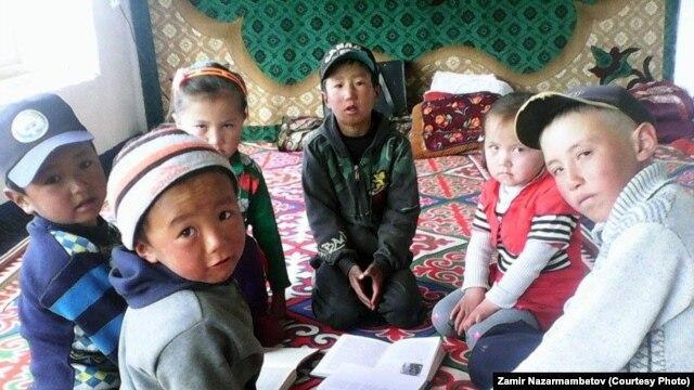 Дети в Мургабе.