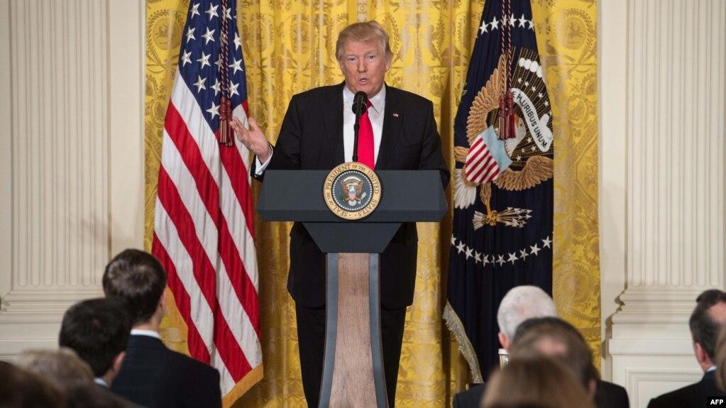 Donald Trump fevralın 16-da mətbuat konfransı keçirib