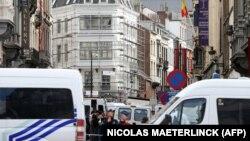 Brüsseldə yəhudi muzeyinin qarşısı