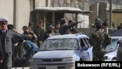 од местото на експлозијата во Кабул