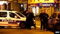 Поліція на місці нападу в Парижі, 13 листопада 2015 року