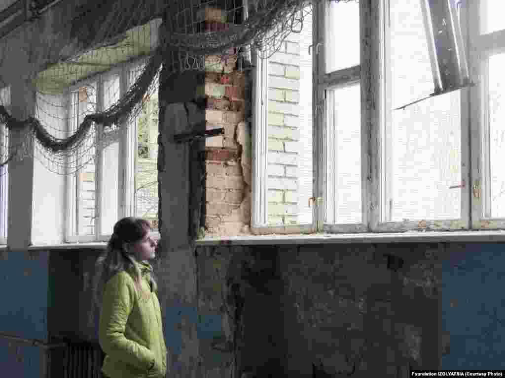 Молодые фотографы живут в Марьинке и в соседней Красногоровке. За последние три года оба города неоднократно попадали под обстрел