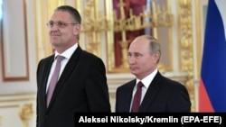مارکوس اِدِرِر، سفیر اتحادیه اروپا در روسیه در کنار ولادیمیر پوتین رئیس جمهوری روسیه
