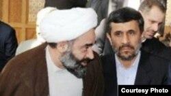 محمد هادی فرید، معاون دفتر نمایندگی ولی فقیه در جمهوری آذربایجان. (سمت چپ)