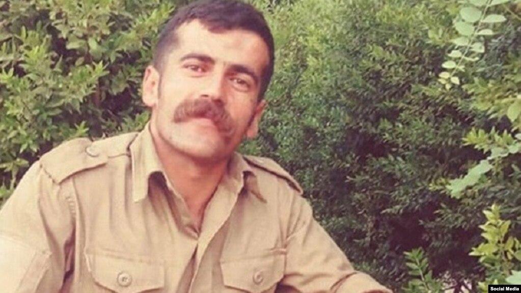 شاکر بهروز در دی ۹۹ به اتهام قتل یک عضو سپاه پاسداران از سوی دادگاه کیفری ارومیه به اعدام محکوم شد.
