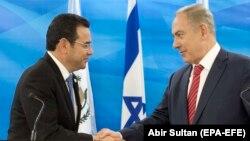 Президент Гватемали Джиммі Моралес і прем'єр-міністр Ізраїлю Біньямін Нетаньягу, фото архівне