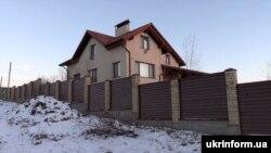 Будинок, де під час обшуку було виявлено тіло Геннадія Юр'єва
