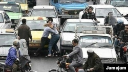 A street fight in heavy traffic in Iran. File photo