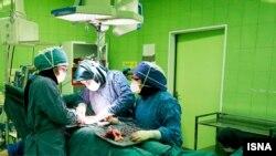 سال ۹۵ رسانههای ایران از مهاجرتهزار و ۹۸۰پزشک طی دو سال خبر داده بودند.