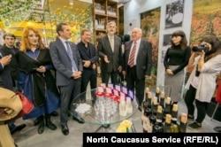 Руководители абхазских компаний с торговым представителем Олегом Барцицом