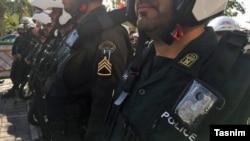 ارشیف، د ایران امنیتي ځواکونه