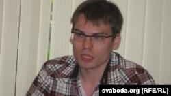 Алег Яўзрэзаў