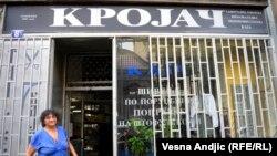 Stojana Milenković Kaja ispred svoje radnje u Beogradu