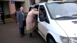 У Черкасах фіксували підвезення виборців до дільниць – спостерігачі (відео)